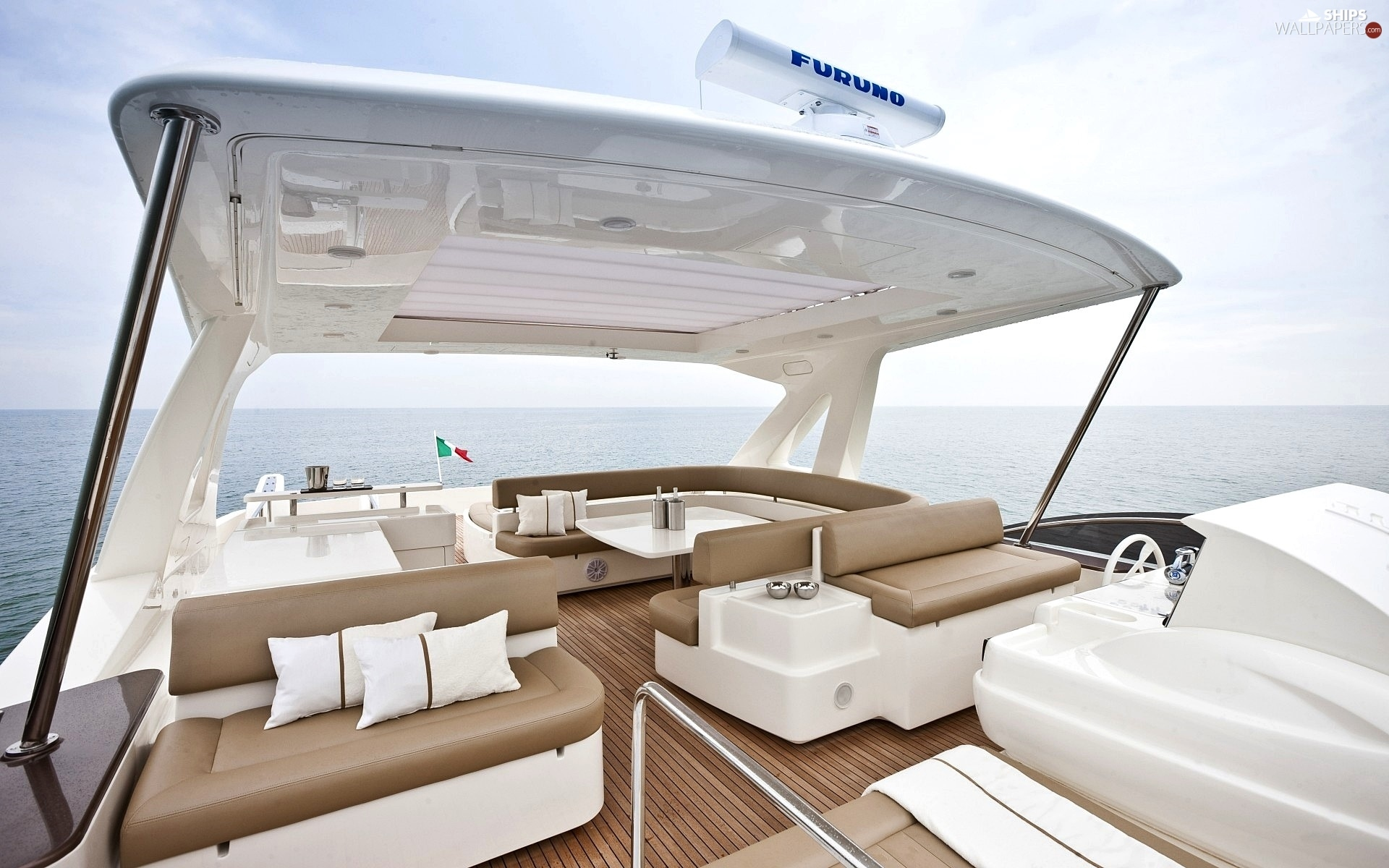 http://wewinelovers.wehomeowners.com/wp-content/uploads/2016/07/Yacht-Photo_002.jpg